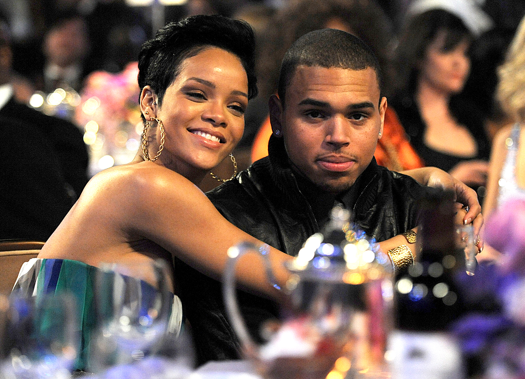 does rihanna and chris brown dating again