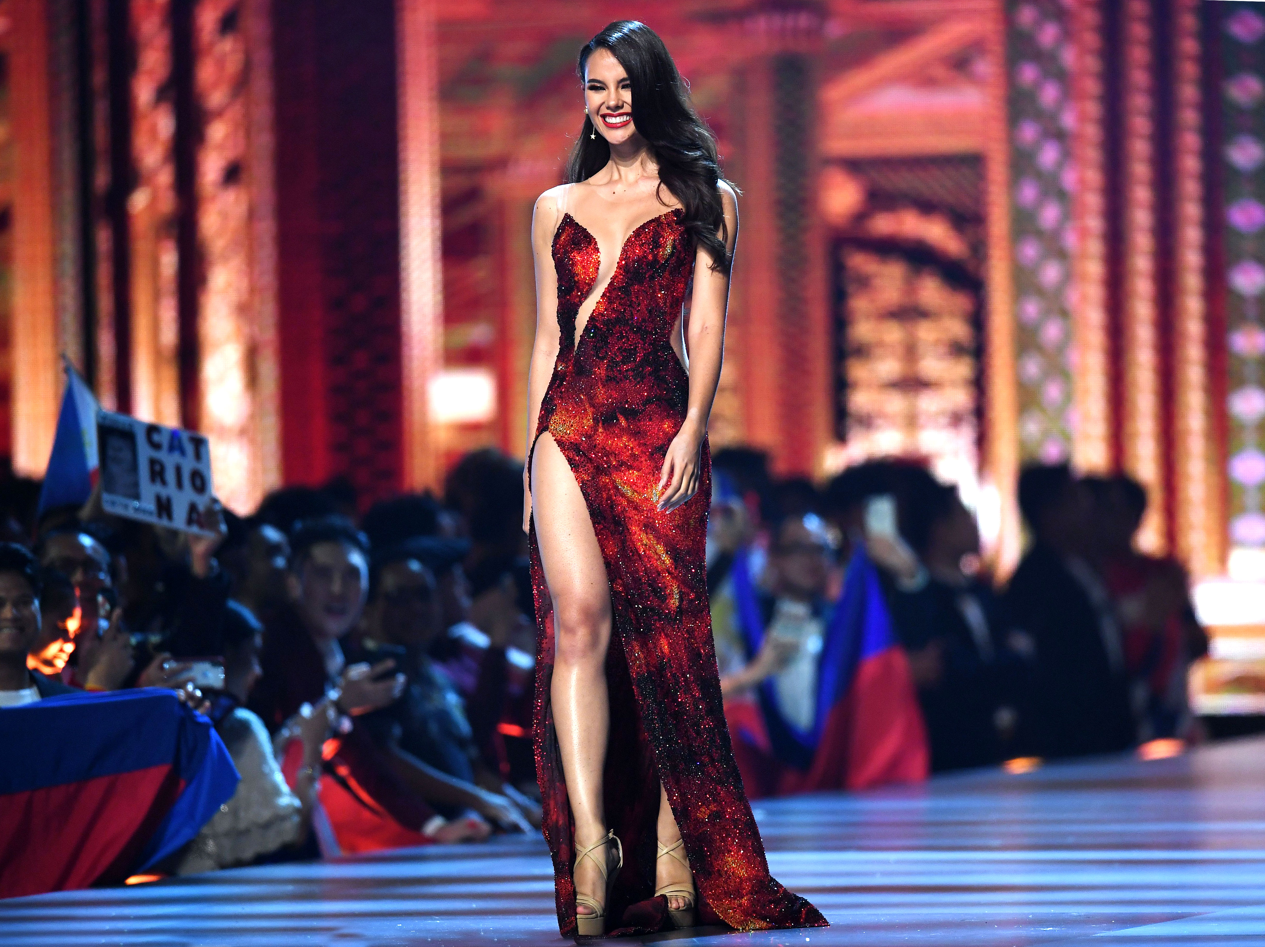 1-Miss-Philippines-Catriona-Gray-miss-universe - This year's winner wore a crimson colored cut-out gown.