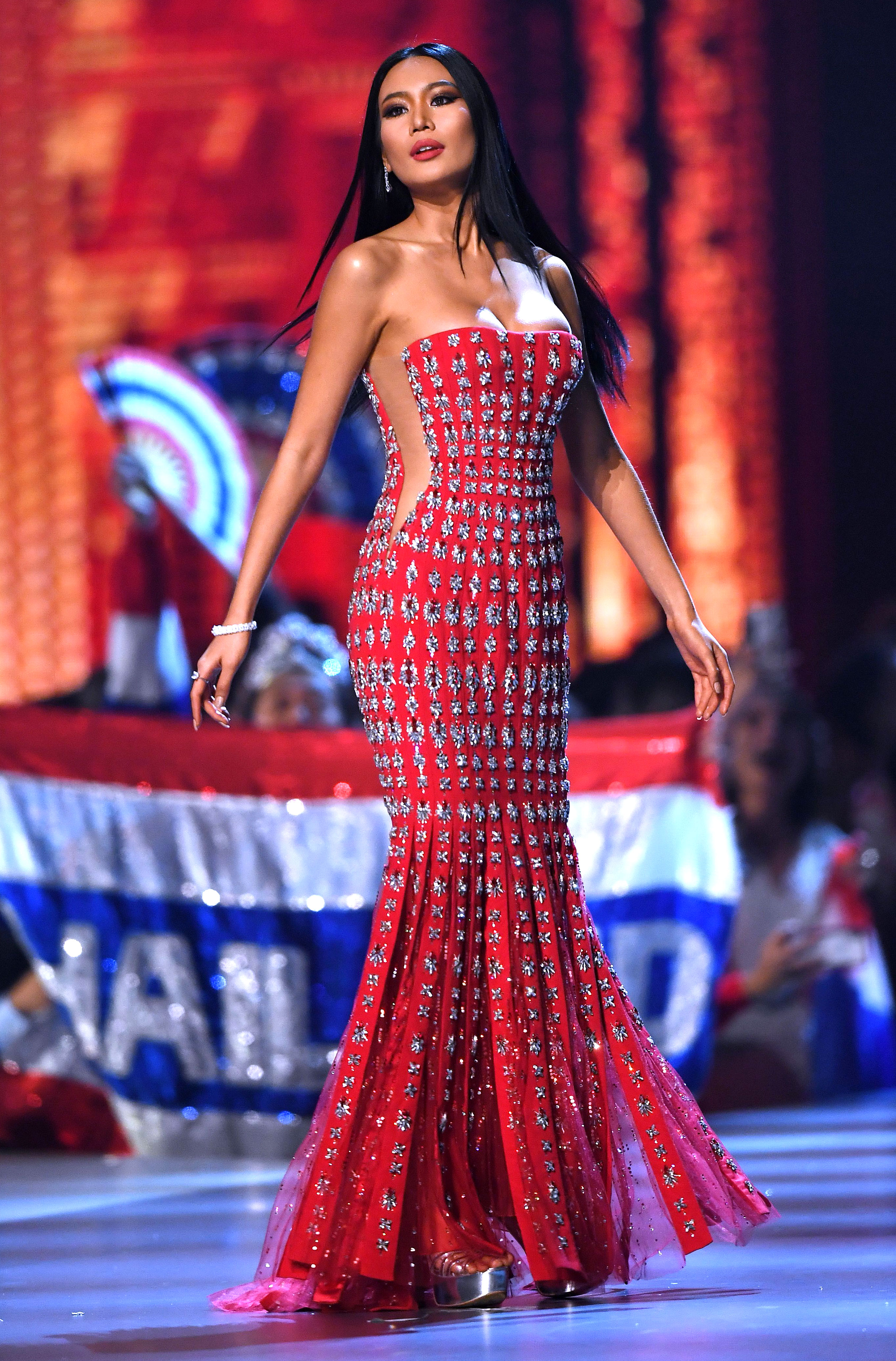 1-Miss-Thailand-Sophida-Kanchanarin--miss-universe - In a red strapless mermaid-cut gown.