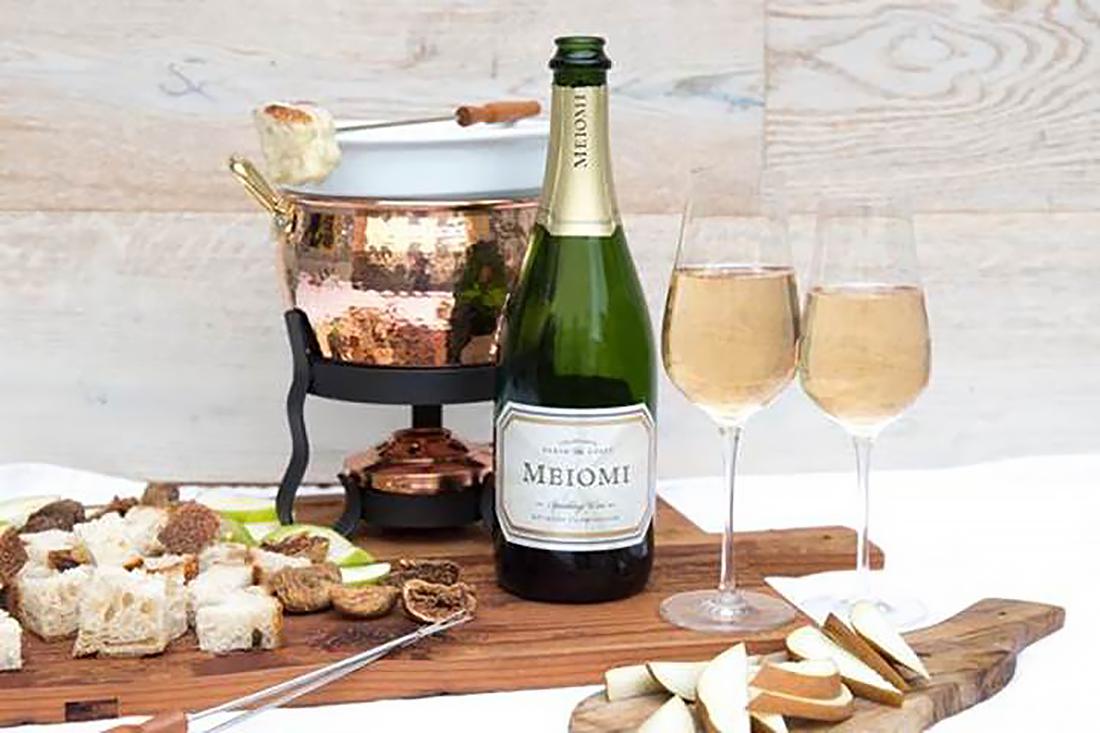 Ali Larter Shares Holiday Recipe for Fa La La Fondue, Which Pairs Perfectly With Wine - Ali Larter's 'Fa La La Fondue.
