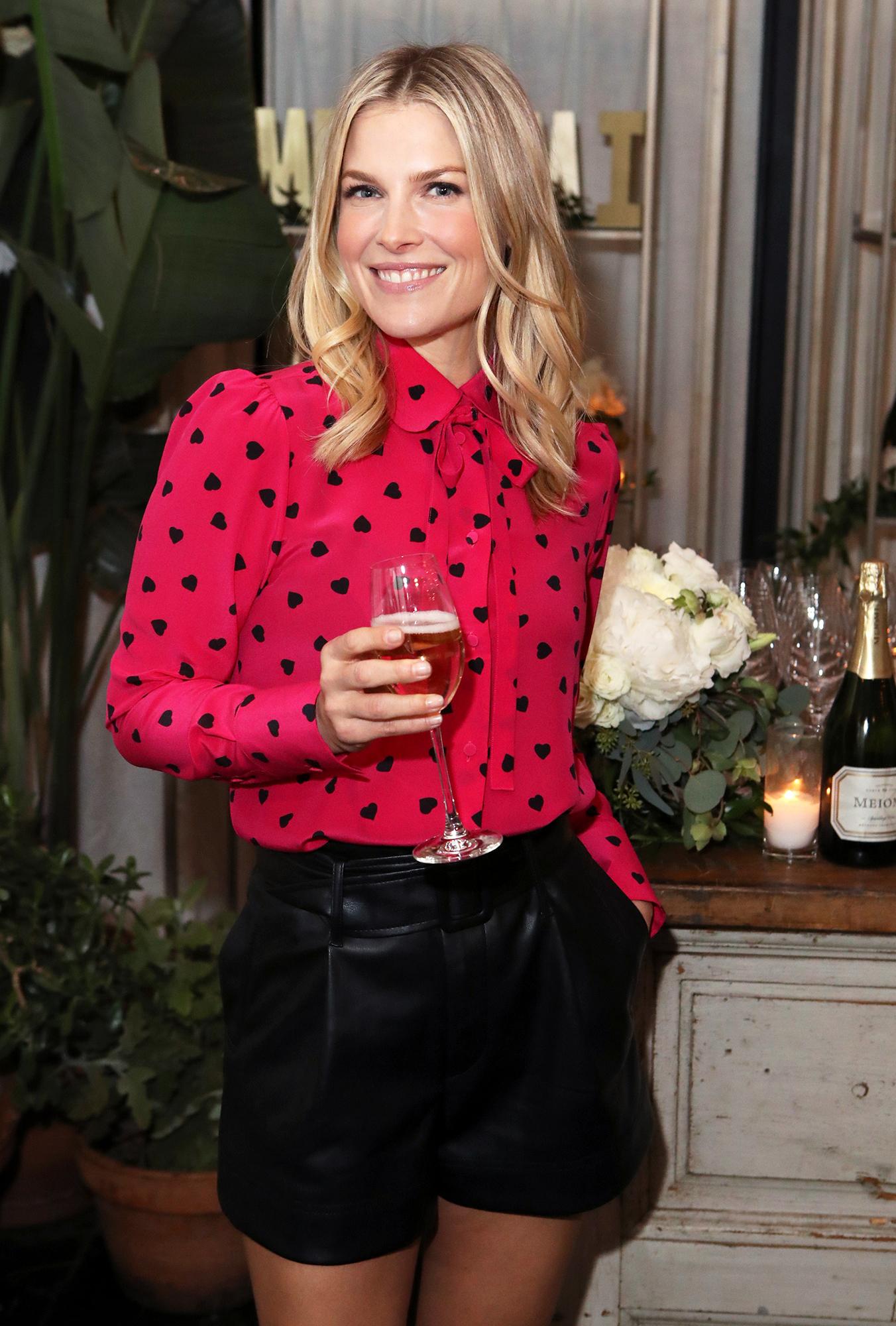 Ali Larter Shares Holiday Recipe for Fa La La Fondue, Which Pairs Perfectly With Wine - Ali Larter