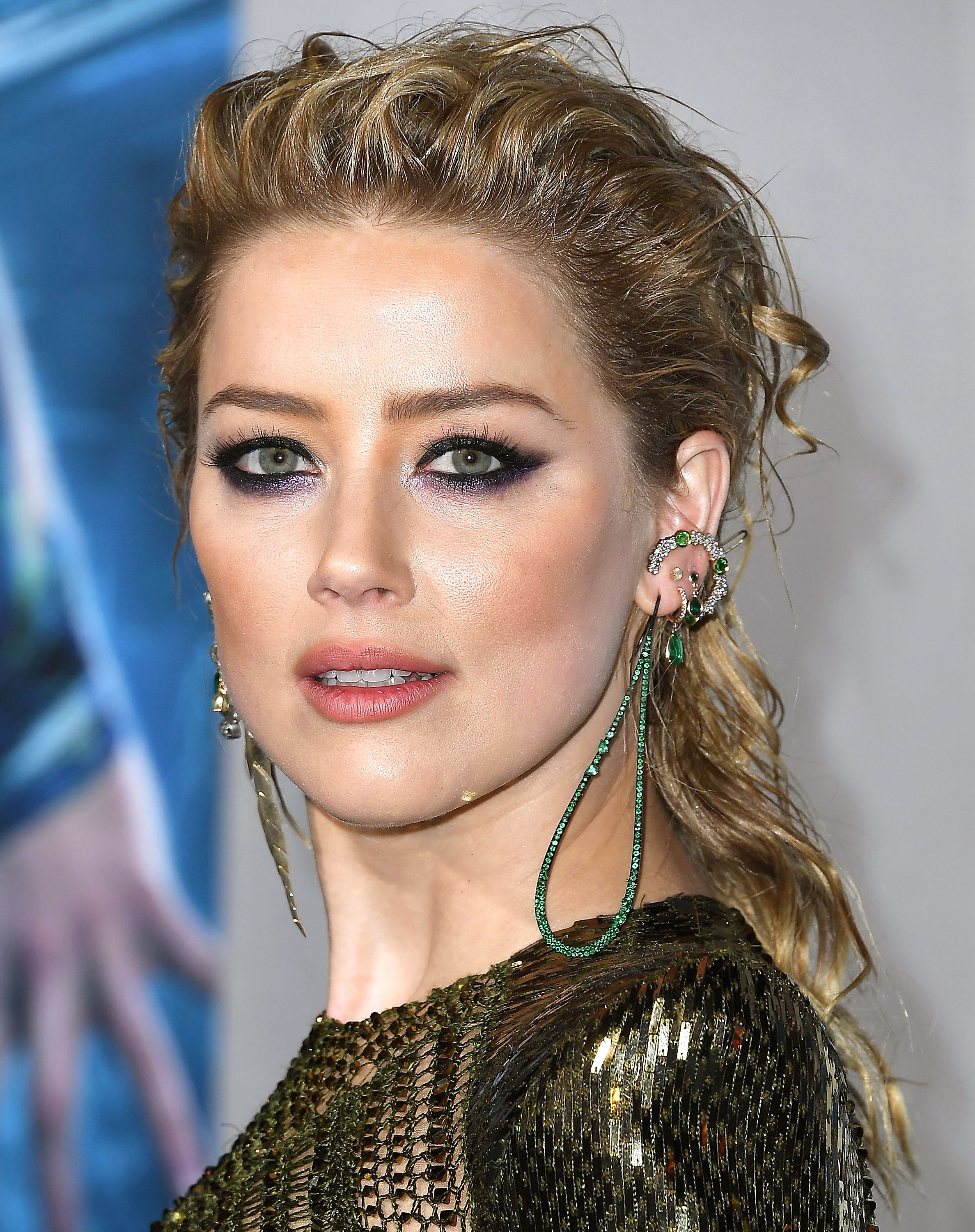 """Amber-Heard-aquaman-premiere - HOLLYWOOD, CA – DECEMBER 12: Amber Heard arrives at the Premiere Of Warner Bros. Pictures' """"Aquaman"""" at TCL Chinese Theatre on December 12, 2018 in Hollywood, California."""