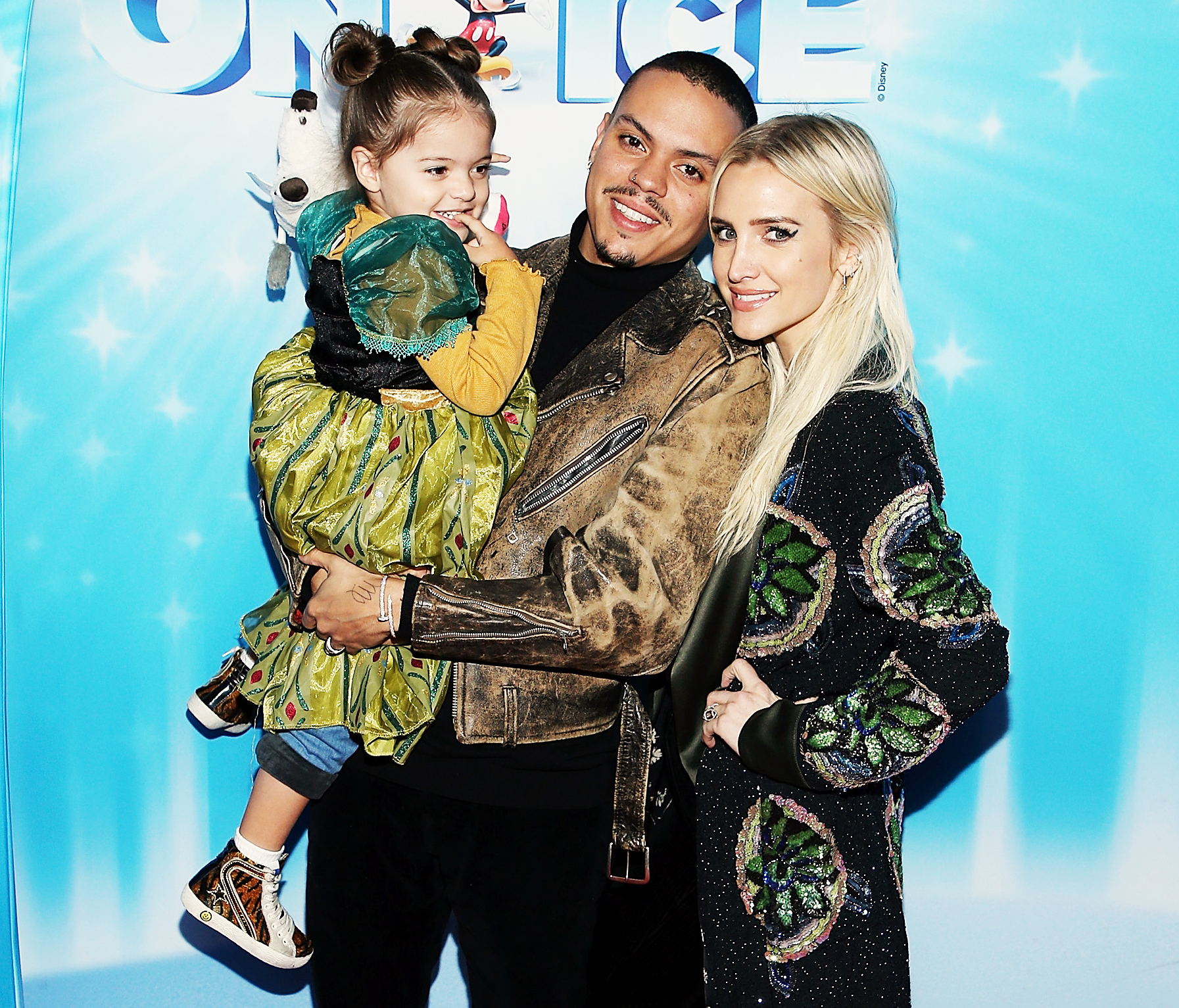 Ashlee Simpson Evan Ross Great Relationship Pete Wentz - Evan Ross, Ashlee Simpson and their daughter, Jagger Snow Ross, attend Disney On Ice Presents 'Dare To Dream' at Staples Center on December 14, 2018 in Los Angeles, California.