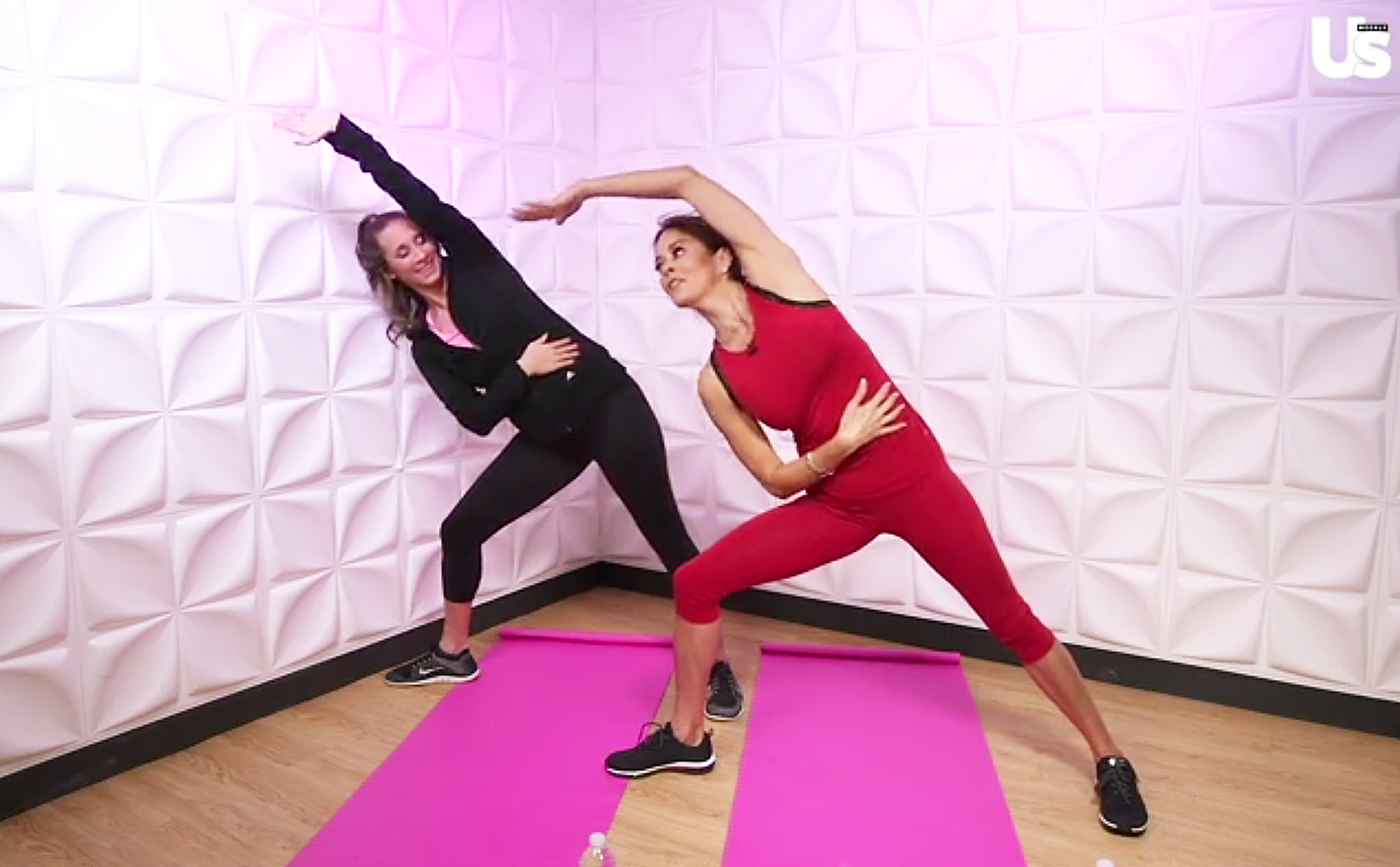 Brooke Burke do Anywhere Abs Workout