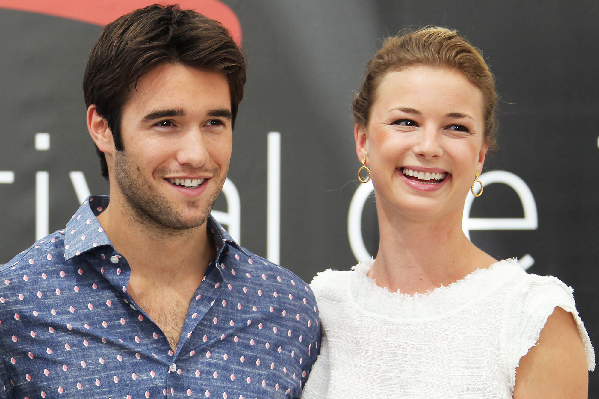 Emily VanCamp Shares Picture From Topical Honeymoon After Marrying Josh Bowman: 'Never Leaving' - Joshua Bowman and Emily VanCamp.