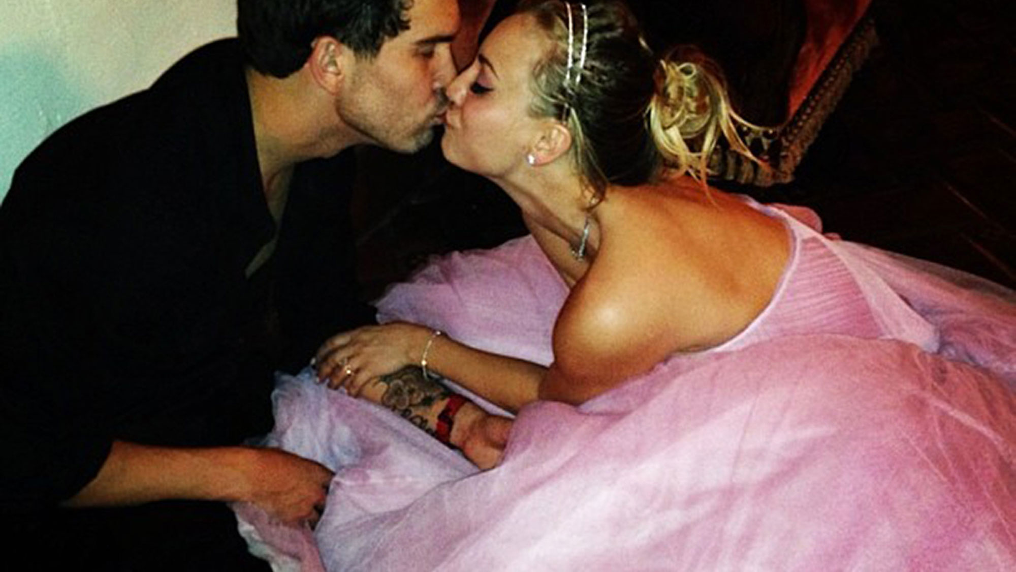 Every Star Who Got Married on New Year's Eve - The Big Bang Theory star first walked down the aisle on December 31, 2013, to marry Sweeting in a romantic ceremony at the Hummingbird Ranch in Southern California. Her costar and ex-boyfriend, Johnny Galecki , attended the nuptials, as did Bachelorette alum Ali Fedotowsky .