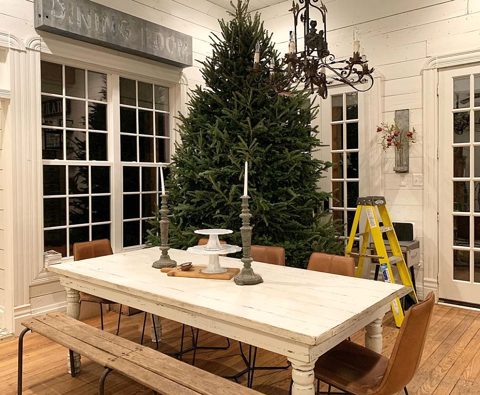 stars go all out with holiday decorations gallery - Leave it to the Magnolia Homes cofounder to have the most picturesque of all houses. The Fixer Upper alum showed off her prim and proper decor on her blog which included two (giant!) trees, mantles full of fresh winter greens and more.
