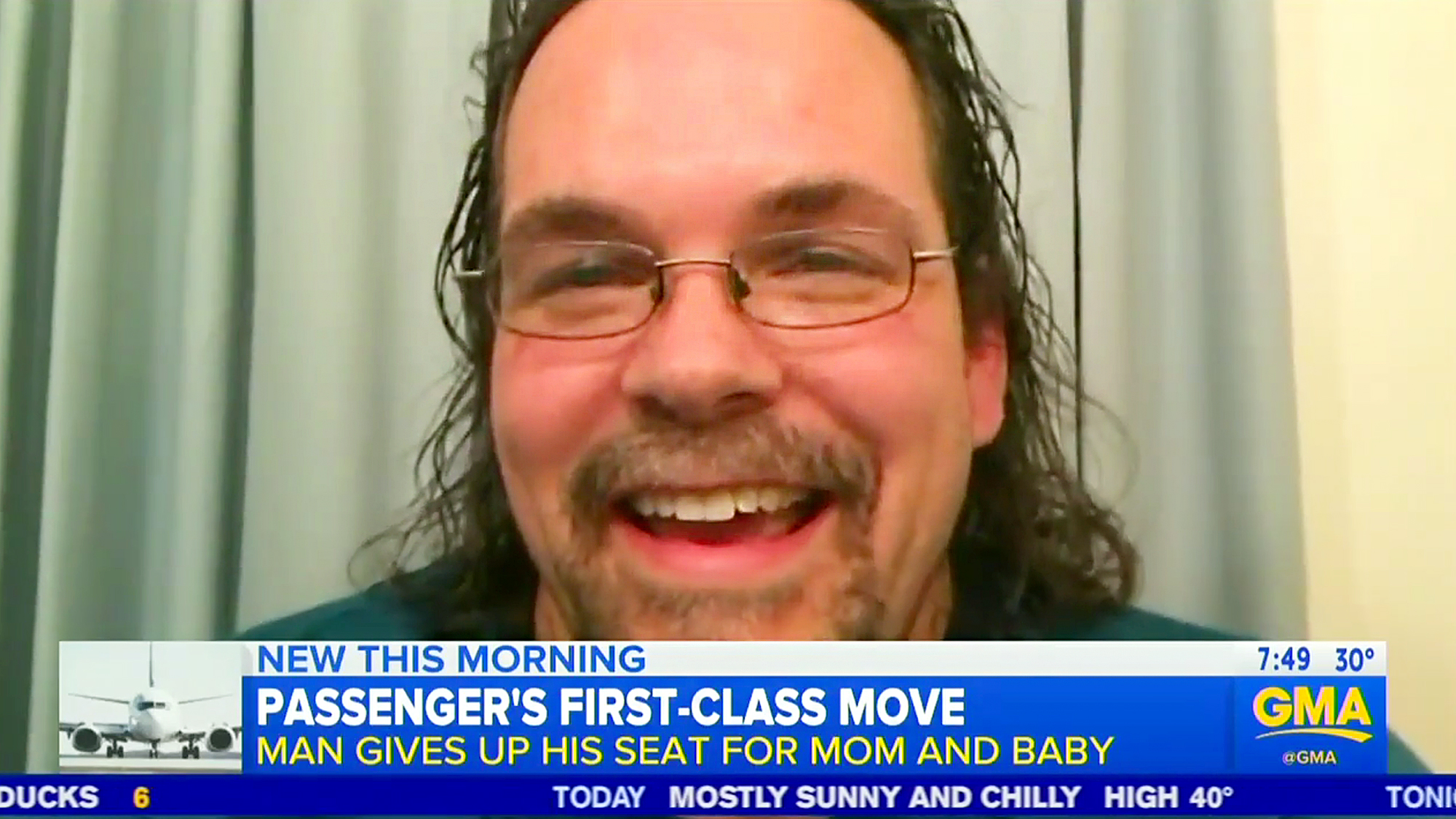 Man Gives Up First Class Seat For Mom And Baby
