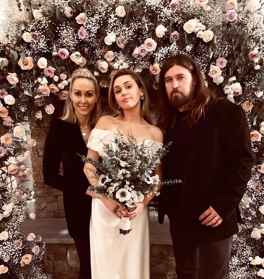 Miley Cyrus Liam Hemsworths Secret Wedding - Miley Cyrus Liam Hemsworth Secret Wedding with Tish Cyrus and Billy Ray Cyrus