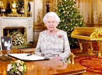 Queen-Elizabeth-ll-christmas-brooch