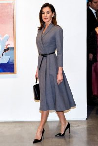 Queen-Letizia-Ortiz-of-Spain-gray-dress