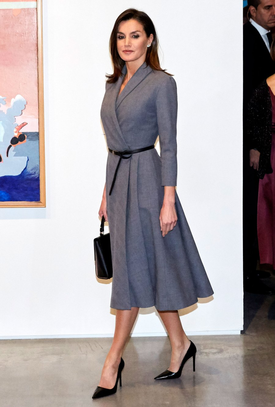 Queen-Letizia-Ortiz-of-Spain-gray-dress