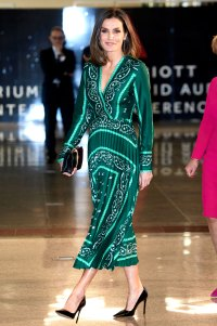 Queen-Letizia-Ortiz-of-Spain-green-pleated-gown