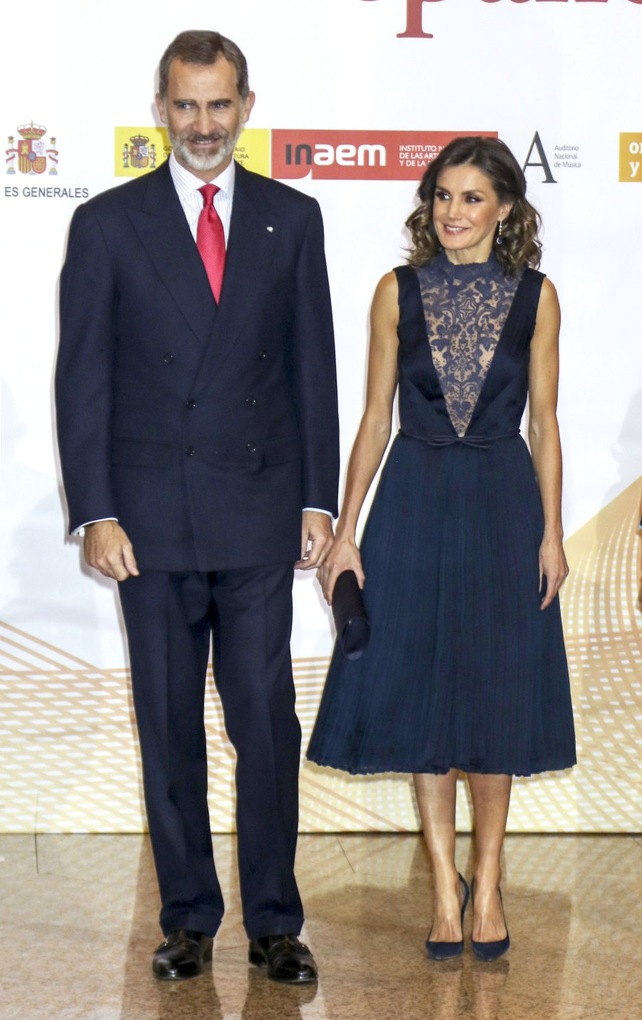 Queen-Letizia-Ortiz-of-Spain-navy-lace-dress
