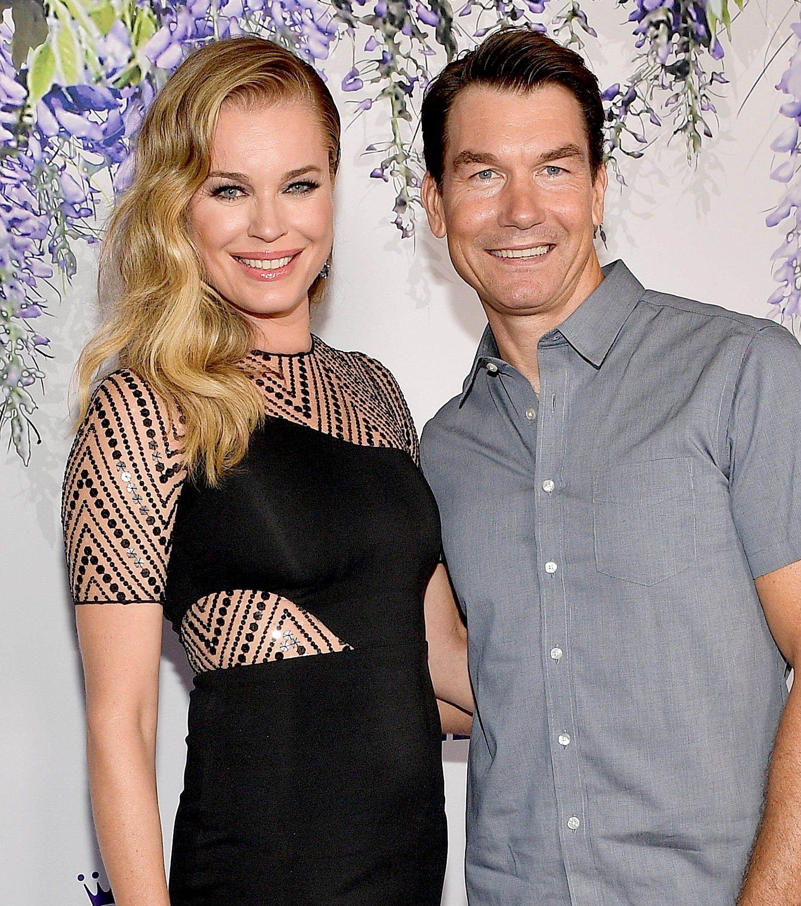 Rebecca-Romijn-and-Jerry-O'Connell-romantic-holidays - Rebecca Romijn and Jerry O'Connell attend the 2018 Hallmark Channel Summer TCA at Private Residence on July 26, 2018 in Beverly Hills, California.