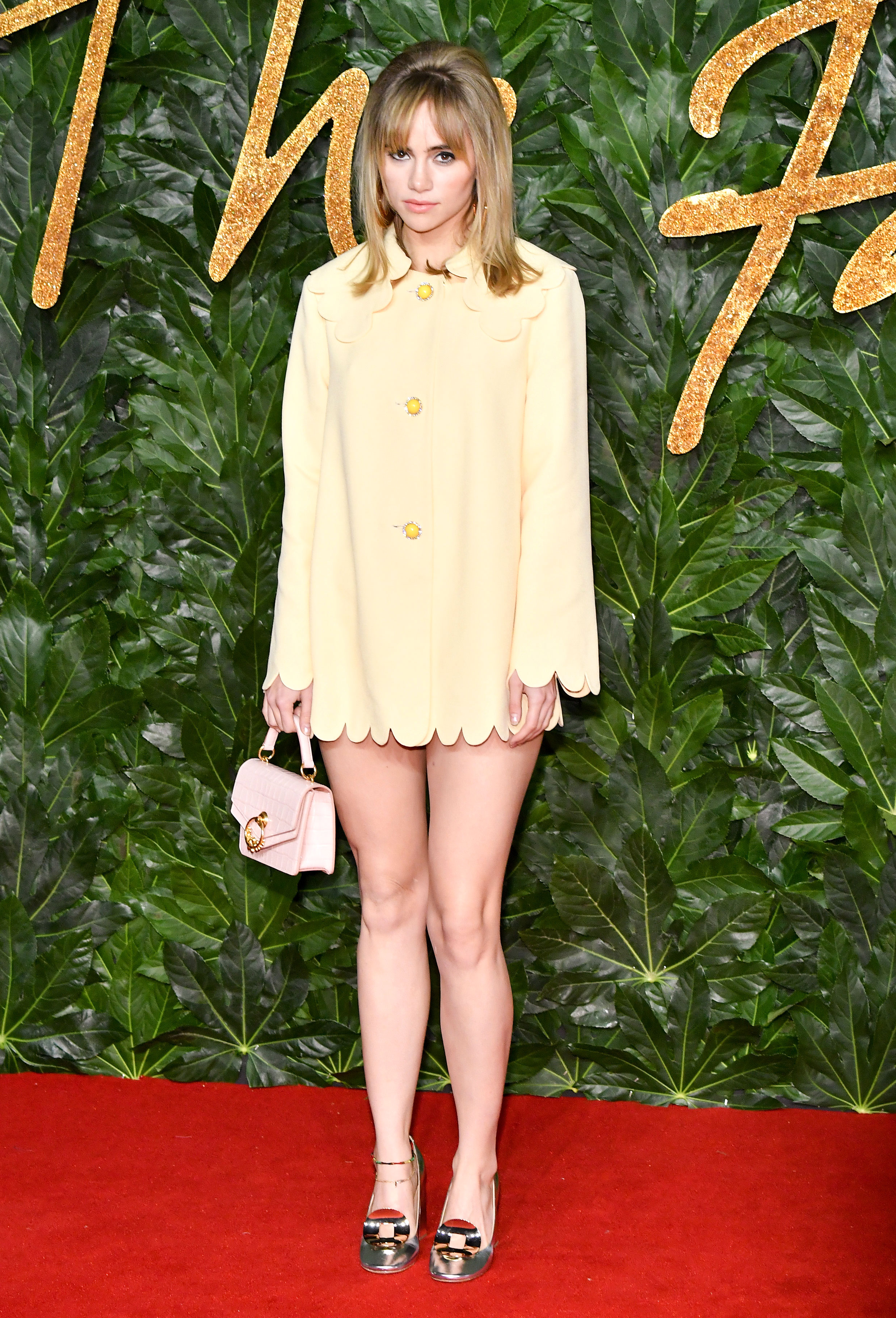 Suki-Waterhouse - The blonde beauty kept things short and sweet in a pale yellow Mulberry frock.