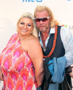 Duane 'Dog the Bounty Hunter' Chapman's Wife Beth Returns to Colorado After Surgery Against Doctor's Advice