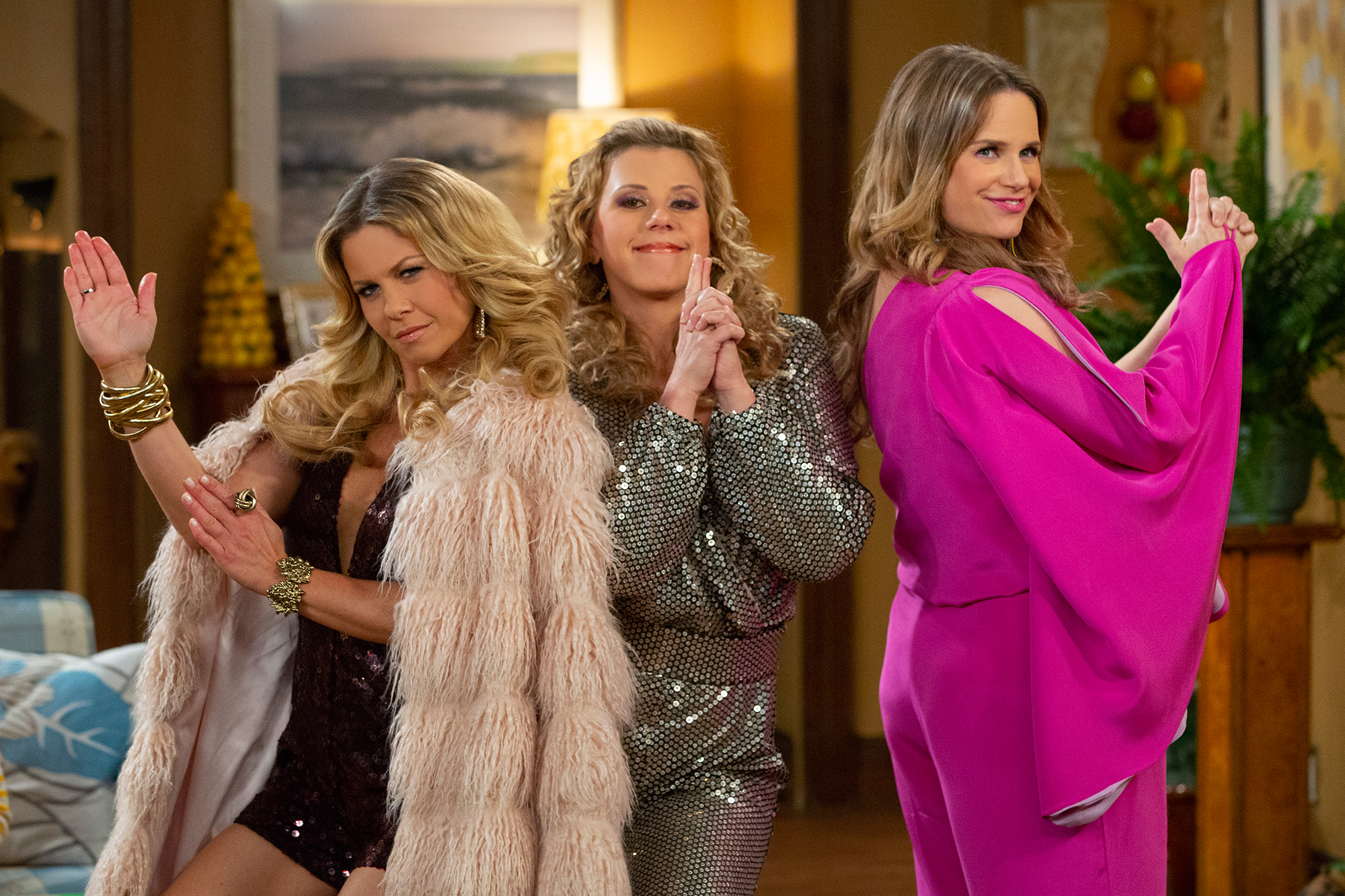 Fuller House Season 4 How Stephanie S Bisexual Line Came About