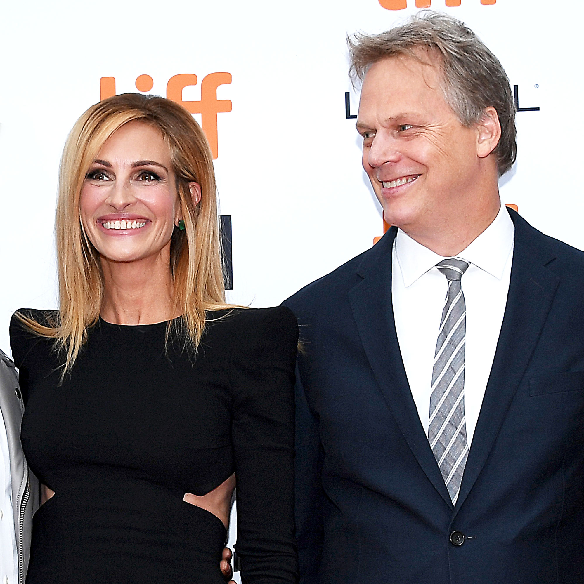 "Julia Roberts and Peter Hedges - Julia Roberts and Peter Hedges attend the ""Ben Is Back"" premiere during 2018 Toronto International Film Festival at Princess of Wales Theatre on September 8, 2018 in Toronto, Canada."