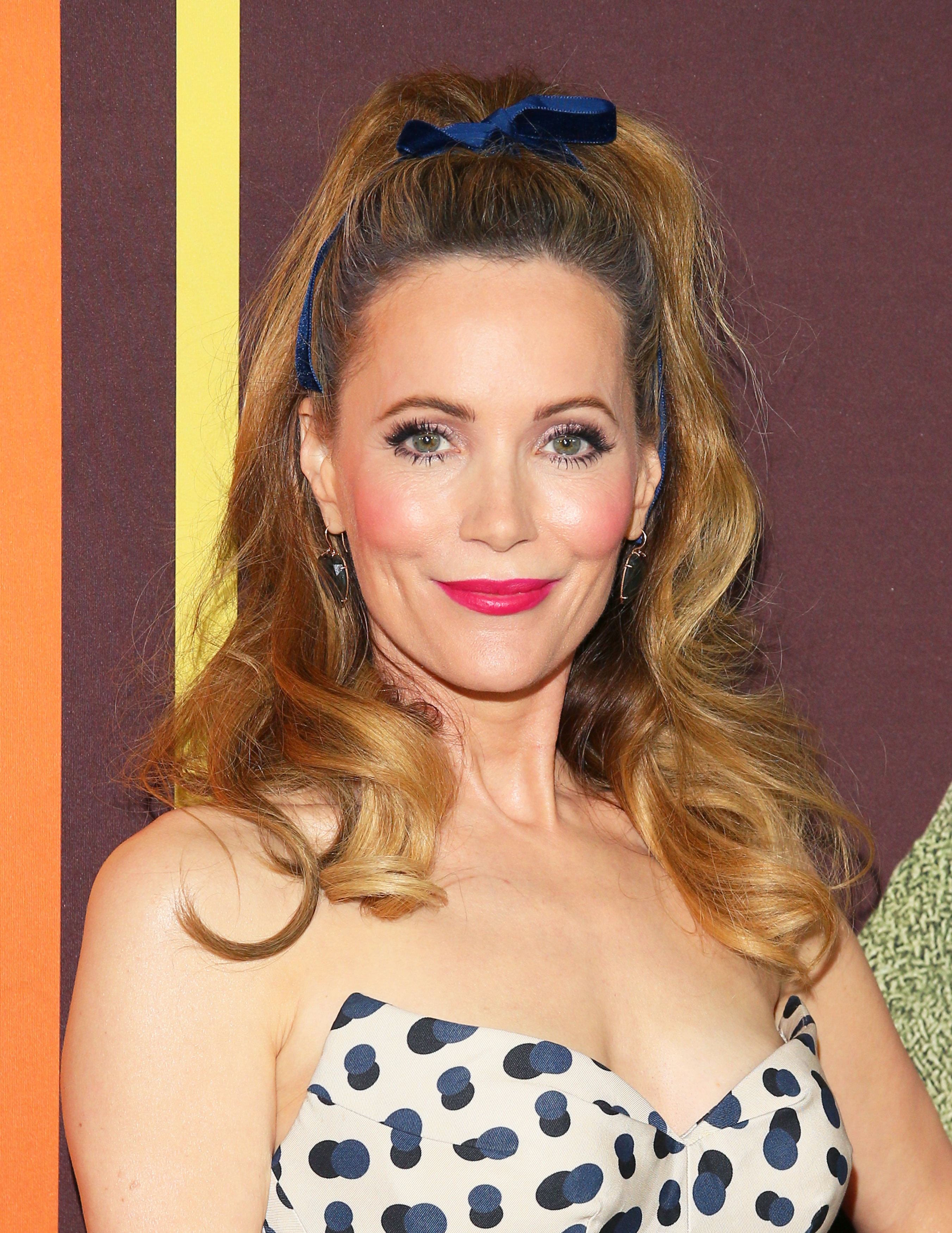 leslie-mann pink lipstick - HOLLYWOOD, CALIFORNIA – DECEMBER 10: Leslie Mann attends Universal Pictures and DreamWorks Pictures' premiere of 'Welcome To Marwen' at ArcLight Hollywood on December 10, 2018 in Hollywood, California. (Photo by JB Lacroix/Getty Images)