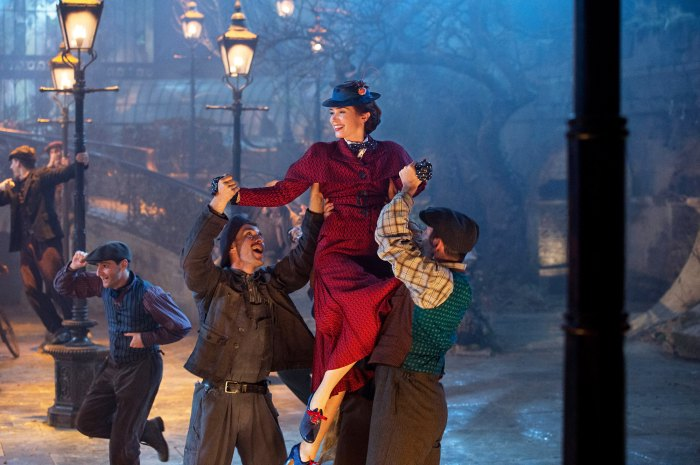 'Mary Poppins Returns' Review: Emily Blunt Soars in a Wondrous Musical