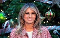 melania-trump-candy-stripes-outfit-blonde-hair