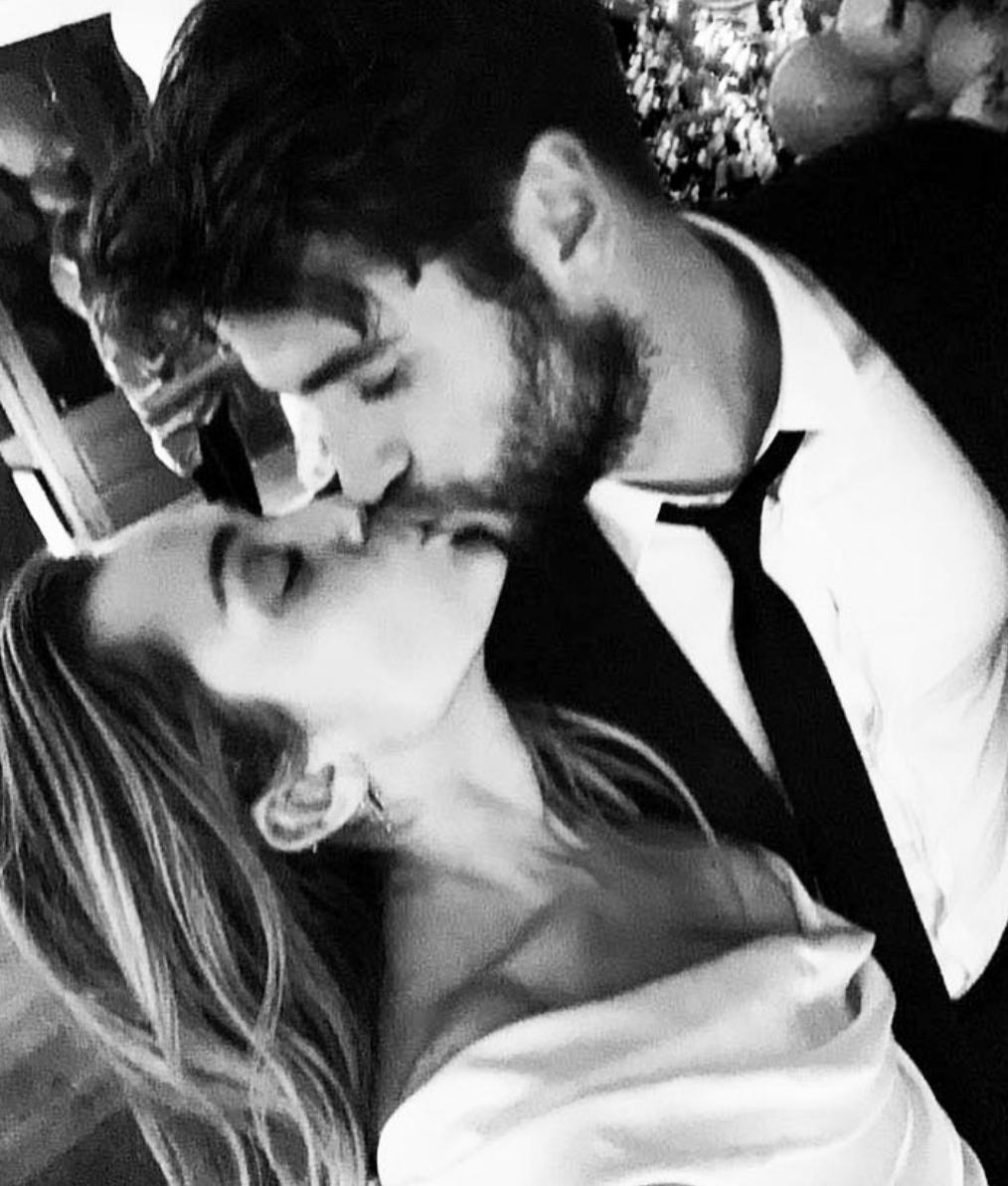 Liam Hemsworth dating historie Zimbio