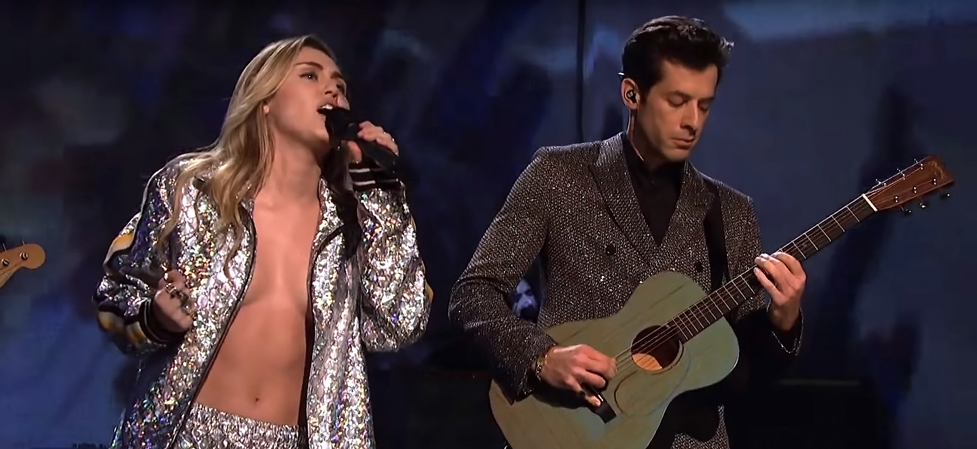 Miley Cyrus Risks A Nip Slip Snl Twitter Reacts