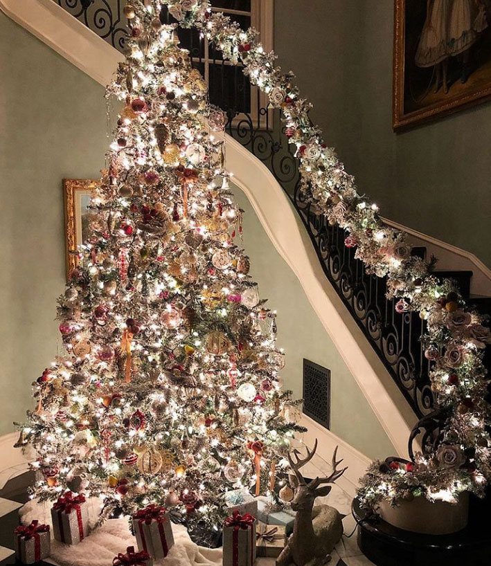 "stars go all out with holiday decorations gallery - The fashion designer's daughter Nicky Hilton gushed over her mother's stunning decor. ""My mom wins Christmas,"" she captioned an Instagram pic of a gorgeously lit tree and railing."
