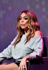 Wendy Williams Returns to Her Show After Fracturing Shoulder: 'I'm on the Mend'