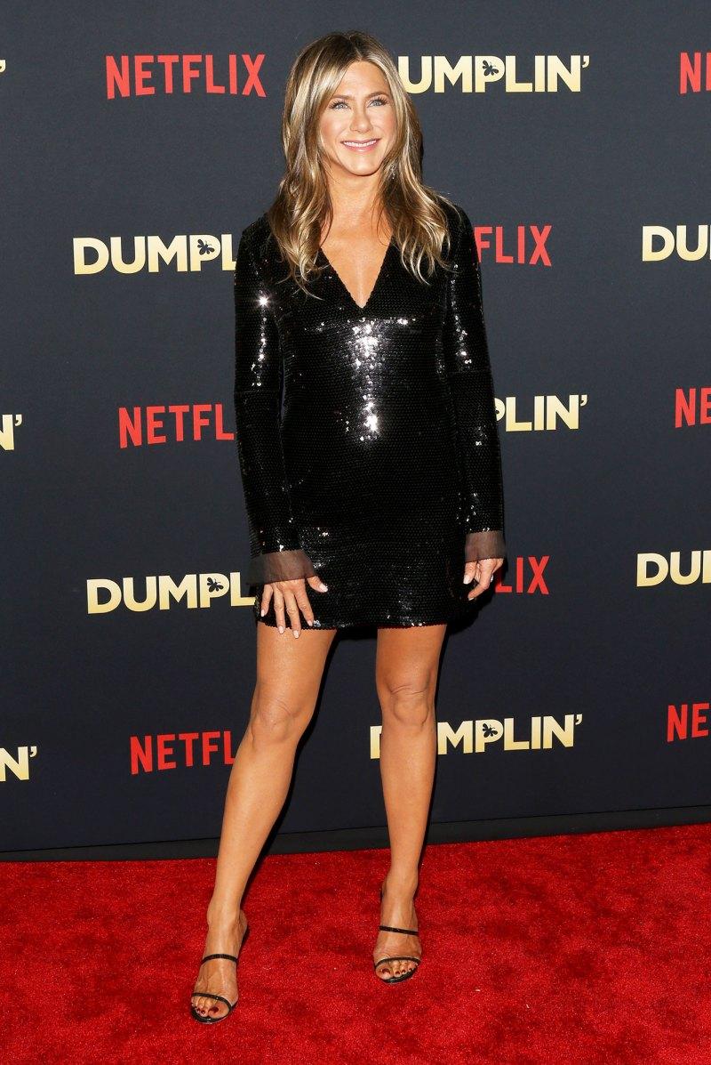 Celebs Who Love CBD Beauty: Jennifer Aniston, More Leighton Meester, Kim Kardashian and Other Stars That Swear by CBD Beauty - 웹