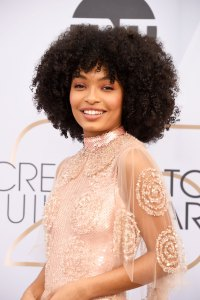 A Behind-the-Scenes Look at Yara Shahidi's Glowing Makeup SAG awards 2019