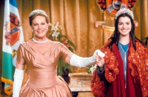 Anne Hathaway Gives 'Princess Diaries 3' Update: 'We All Really Want It to Happen'