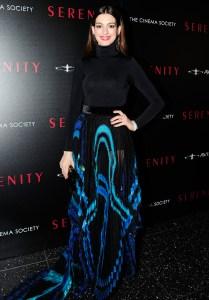 Anne-Hathaway-Serenity-premiere