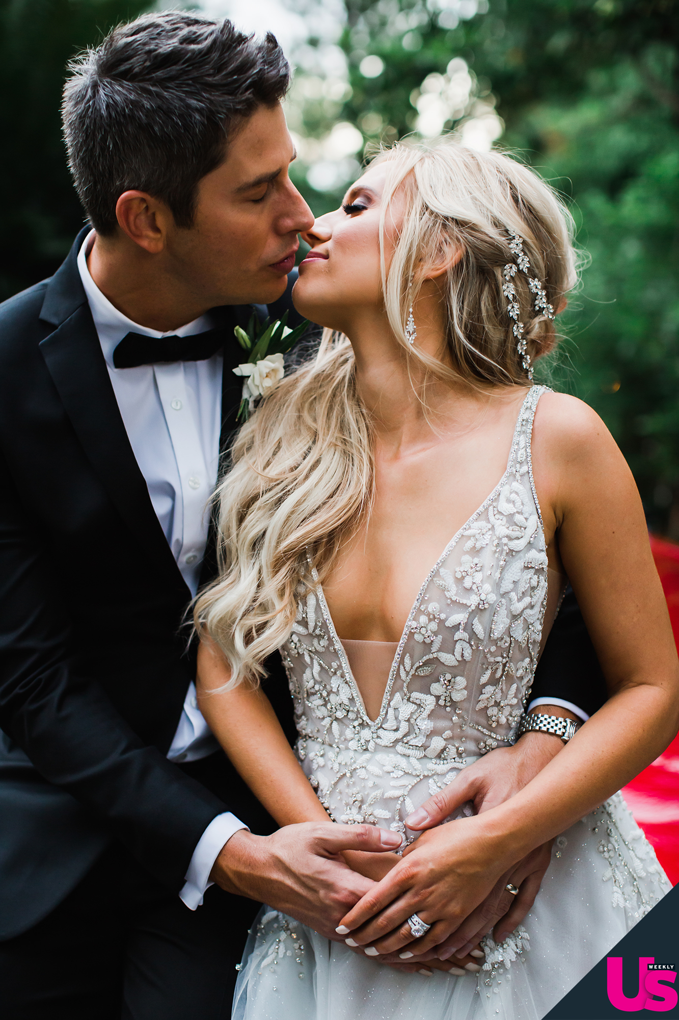 bachelorfamily -  Arie Jr & Lauren Luyendyk - FAN Forum - Wedding - Discussion - Page 22 Arie-Luyendyk-Jr.-and-Lauren-Burnham-Wedding-9
