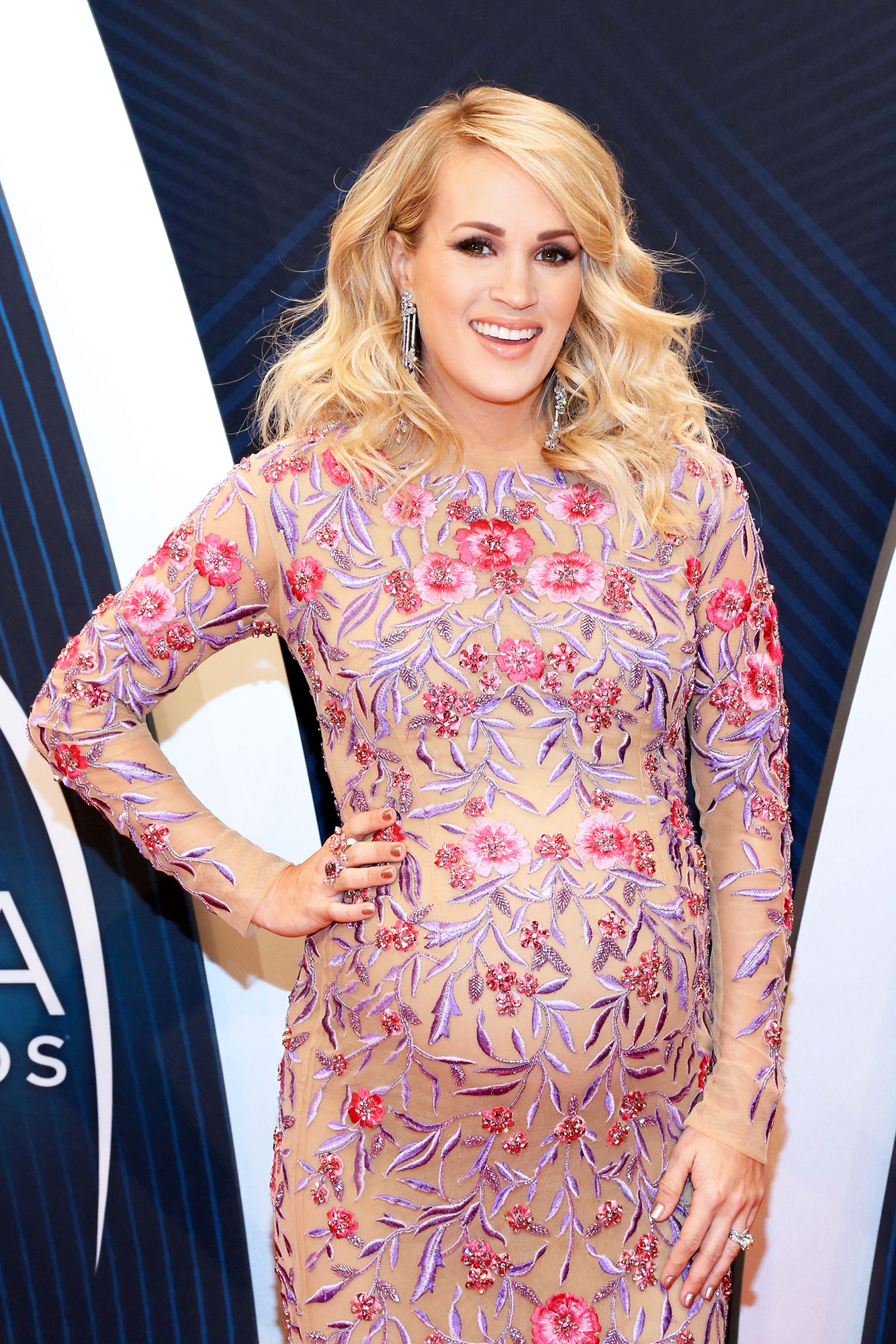 Pregnant Carrie Underwood's Naked Baby Bump is Stunning - Carrie Underwood attends the 52nd annual CMA Awards at the Bridgestone Arena on November 14, 2018 in Nashville, Tennessee.