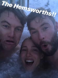 Chris-Hemsworth-Elsa-Pataky-hot-tub
