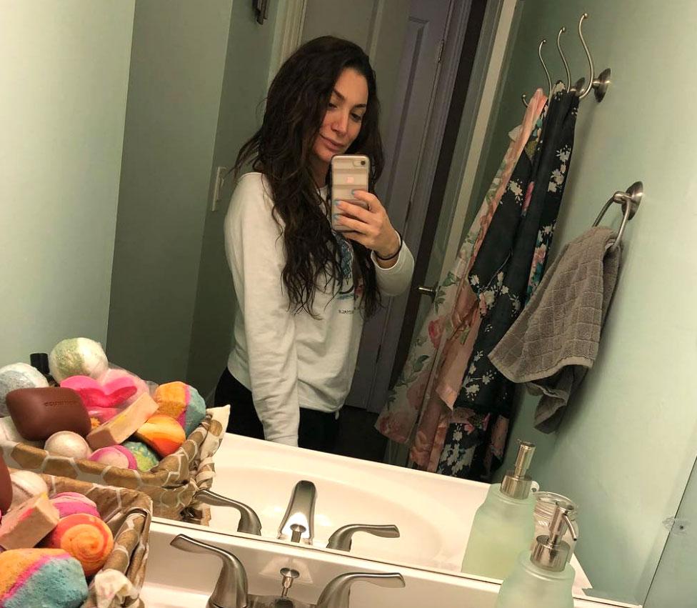 Deena Cortese Snaps Slim Mirror Selfie 2 Weeks After Welcoming 'Little Man' - Deena Cortese/Instagram
