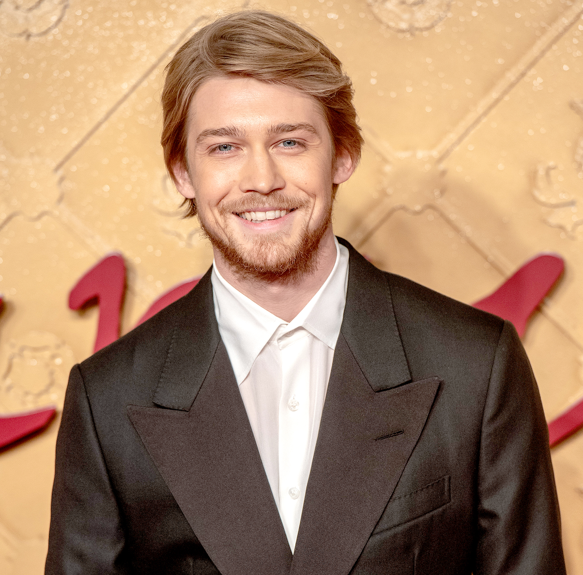 "Everything-Joe-Alwyn-Has-Said-About-taylor-swift - The Mary Queen of Scots actor doesn't think his desire to stay quiet about Swift is shocking. ""I don't think anyone you meet on the streets would just spill their guts out to you, therefore why should I?"" he told MR PORTER's The Journal in January 2019."