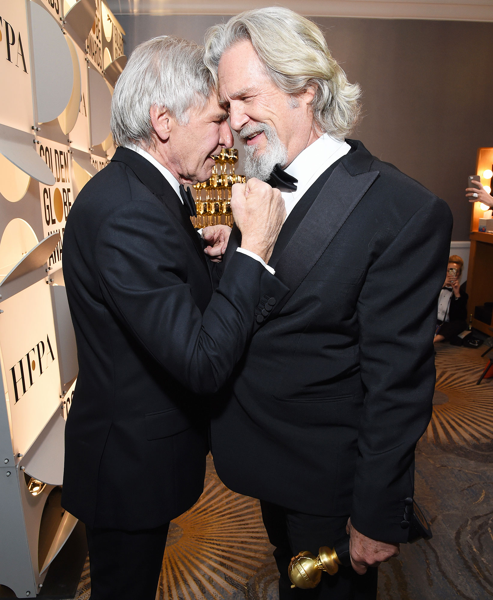 Inside Golden Globes 2019 Harrison Ford Jeff Bridges - Harrison Ford and Jeff Bridges spent some time together backstage after the latter was honored with the Cecil B. DeMille Award.