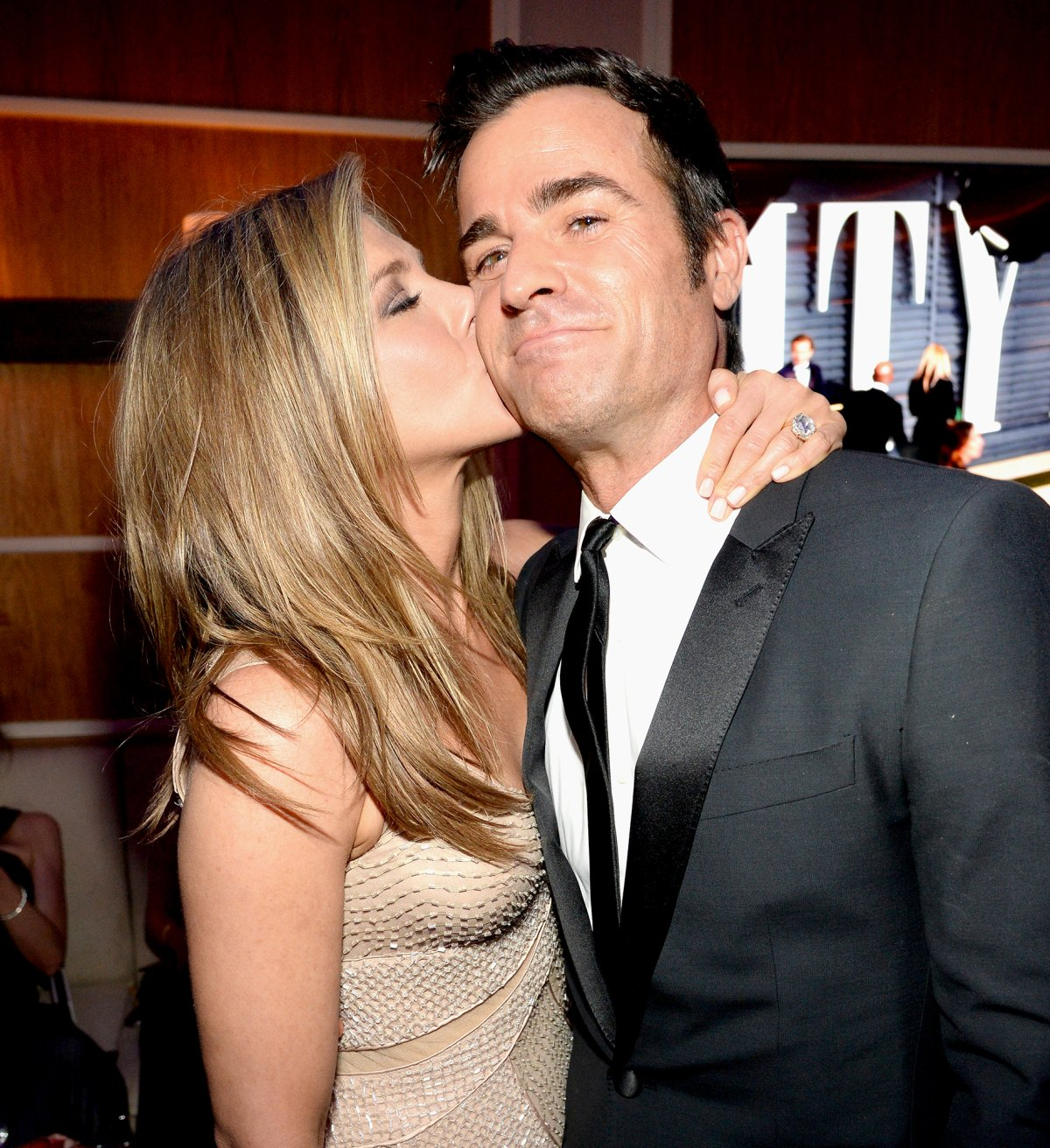 Dating aniston who jennifer Who Is