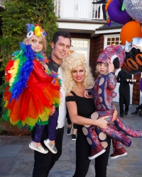 Jessica's-Family-Dresses-up-for-Halloween-2016