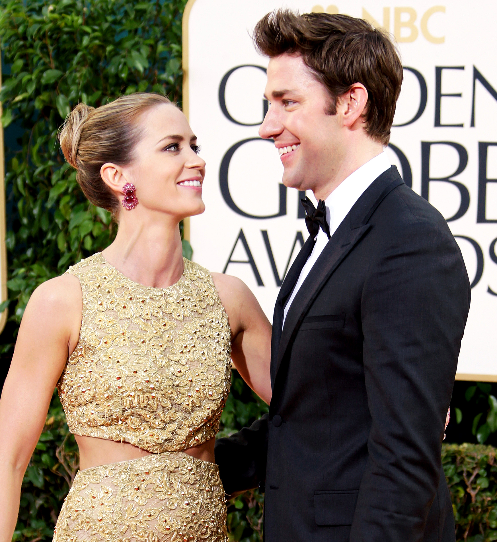 """John-Krasinski-and-Emily-Blunt-love-quotes - """"Totally selfishly, [sex] is so much better for me being jacked because you feel so much more confident and you see yourself as this much more sexual person, which is really fun,"""" Krasinski told Elle magazine in September 2016 after buffing up for his role in 13 Hours ."""