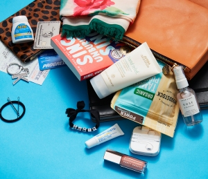 Kelly-McCreary-what's-in-my-bag