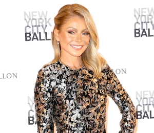 Kelly-Ripa-Compares-Her-Body-to-peter-pan