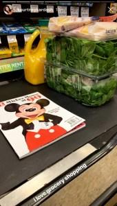 Kourtney-Kardashian-grocery-shopping