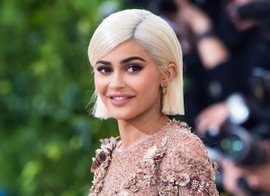 Kylie Jenner's 11-Month-Old Daughter, Stormi, 'Learning How to Walk' in Adorable New Video: Watch