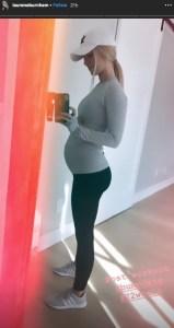 Bachelors Lauren Burnham 22-Week Baby Bump in Mirror Selfie