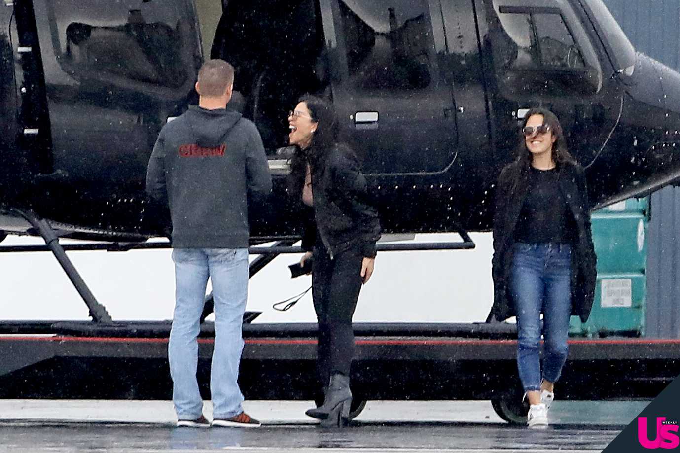 Lauren-Sanchez-Steps-Out-Jeff-Bezos-Affair - Sánchez let out a laugh as she appeared to inspect the helicopter.