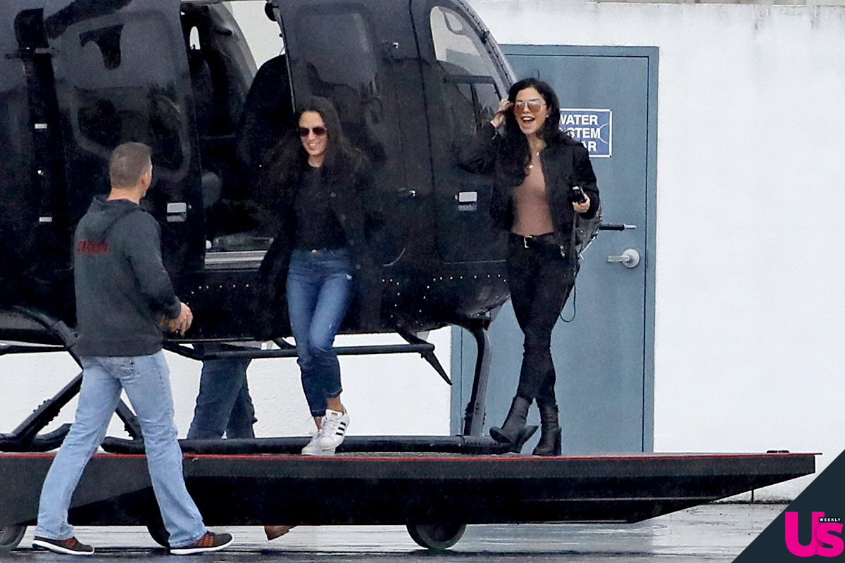 Lauren-Sanchez-Steps-Out-Jeff-Bezos-Affair - Sánchez grinned as she arrived at the airport on Monday.